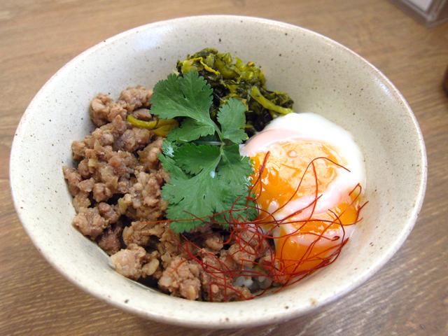新潟市で魯肉飯(ルーロー飯)のテイクアウト